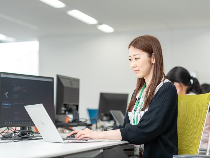 100%自社サービスのWebエンジニア【リモートワークOK・フレックスタイム制◎】