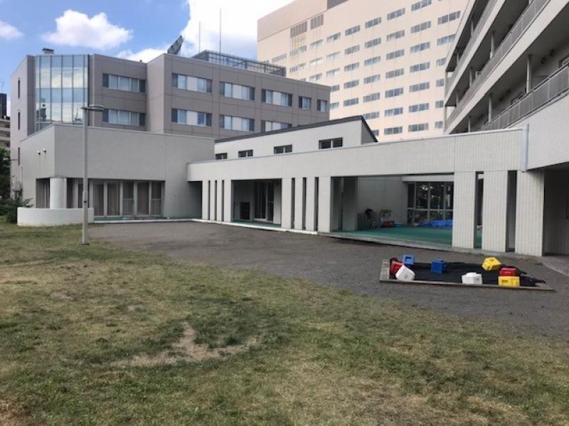 市立札幌病院保育園(遅番保育士パート)/シニア歓迎/社会保険完備